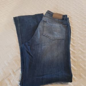 DKNY Womans SOHO jeans Size 10